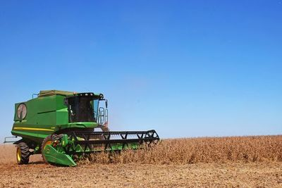 La cosecha de soja motiva inversiones