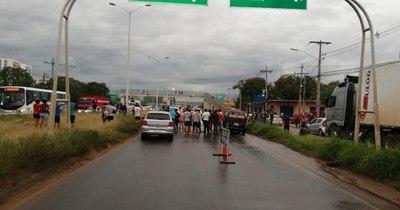 La Nación / Tres víctimas fatales en terrible accidente de tránsito en Roque Alonso