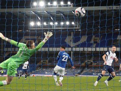Kane evita la derrota del Tottenham sin Bale