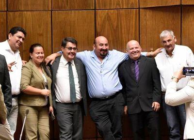 Los diputados llanistas adelantan  voto a favor de fondos sociales a Salud