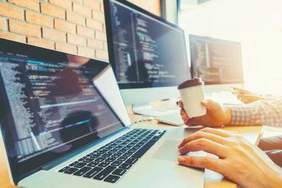 Reportan aumento de empleo en el sector informático en el primer trimestre del año