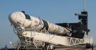La Nación / Para su próxima misión lunar tripulada, NASA elige SpaceX