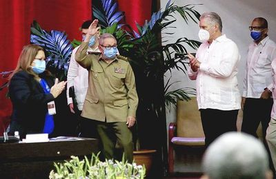 Raúl Castro dejará cargo oficial, pero manteniendo el poder real en Cuba