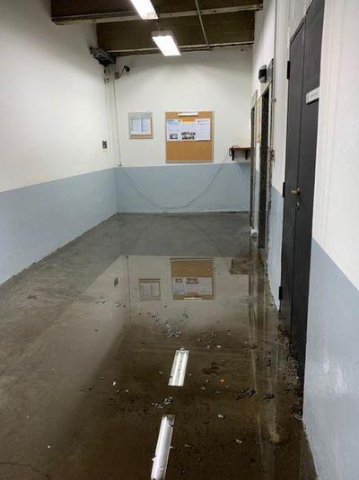 Inundación en el Palacio de Justicia por caño averiado