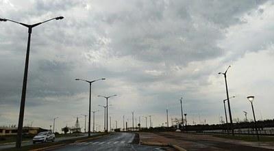 Sábado con precipitaciones dispersas