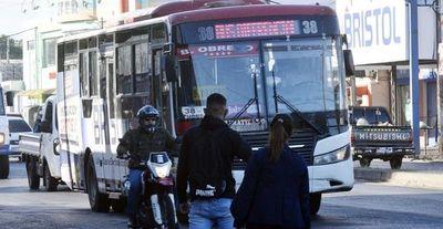 """Subsidiarán a cuestionadas firmas para que """"levanten sus buses"""""""
