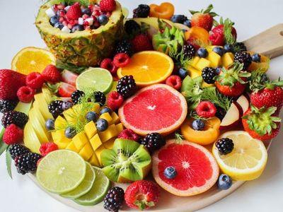 """Por qué nunca debiste dejar de comer estos 6 """"restos"""" de frutas"""