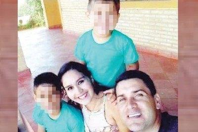 PAPÁ, MAMÁ E HIJO FALLECEN  ARROLLADOS POR UN CAMIÓN