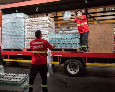 Coca Cola instaló puestos de hidratación en más de 10 hospitales