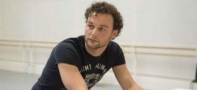 Fallece a los 35 años el coreógrafo británico Liam Scarlett, acusado de acoso
