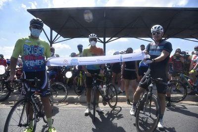 Ciclistas exigen a conductores respeto a distancia de metro y medio en rutas y avenidas