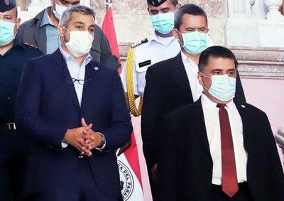Mario Abdo promulga ley que crea fondo para cubrir gastos de pacientes con covid-19