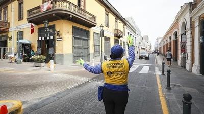 Perú impuso toque de queda en varias regiones para contener el coronavirus
