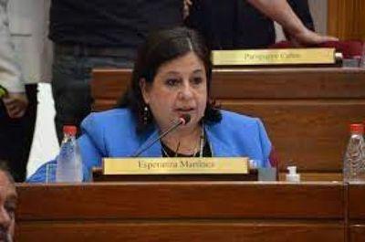 Senadora celebra promulgación de ley que crea fondos de cobertura por UTI