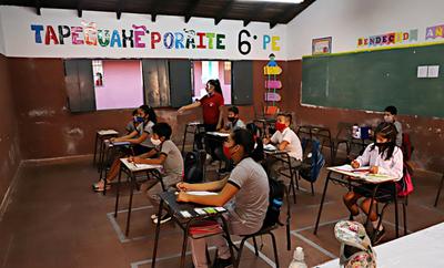MEC dispone clases a distancia desde el lunes para colegios públicos