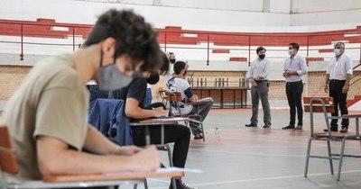 La Nación / Becas Itaipú-Becal 2021: instan a los postulantes a prepararse con tiempo para examen