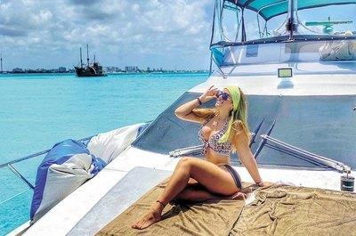 Crónica / ALEXANDRA FRETES. El amor la llevó de paseo a Cancún y ya no volvió más