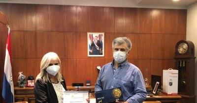 La Nación / Donan kits de detección a Senad