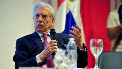 """Vargas Llosa: """"Los peruanos deben votar por Keiko Fujimori, pues representa el mal menor"""""""