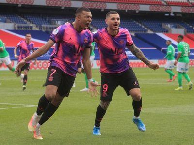Icardi y Mbappé acercan al París Saint Germain al liderato