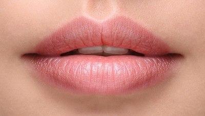 Tatuaje de labios: ¿qué son el microblading y la micropigmentación?