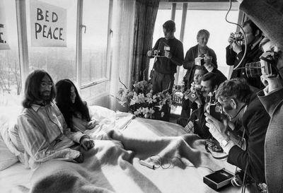 "John Lennon, Yoko Ono y una grabación de""Give Peace a Chance"" nunca antes vista"