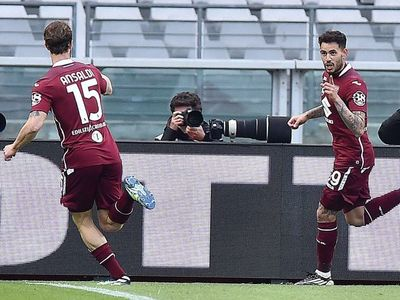 Gol de Tonny Sanabria ante la Roma
