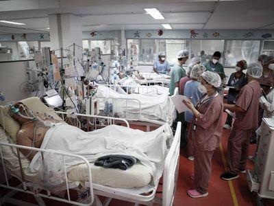 Brasil supera las 370.000 muertes por Covid y llega a casi 14 millones de casos