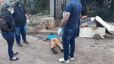 Prófugo de la justicia por homicidio es asesinado a puñaladas en Pdte. Franco