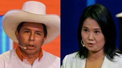 Pedro Castillo supera a Keiko Fujimori en la primera encuesta para el ballotage en Perú