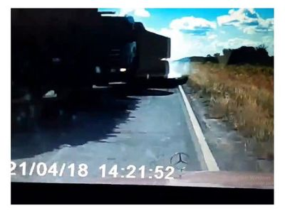 Con audaz maniobra evita tragedia tras imprudencia de un camión