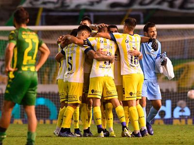 Rivales de los paraguayos ganan en sus respectivas ligas