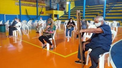 Continúa vacunación anticovid de adultos mayores en Alto Paraná