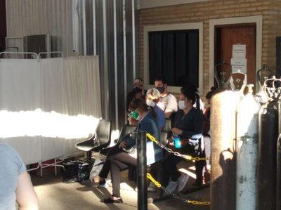 """Directora del Hospital de Villa Elisa lamenta fiestas clandestinas: """"Te dan ganas de llorar"""""""