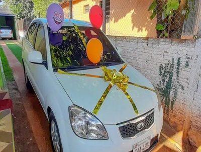 Ganador de automóvil asegura que devolverá premio a familia endeudada · Radio Monumental 1080 AM