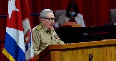 La Nación / Raúl Castro se va, pero Cuba seguirá la misma línea política