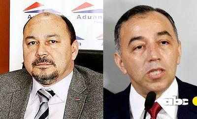 Salen a la luz discrepancias entre el titular de Aduanas y el ministro anticontrabando