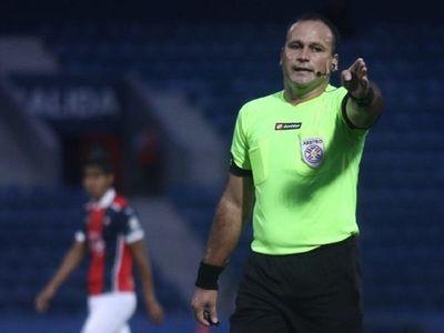 Epifanio González disconforme con el criterio de los árbitros