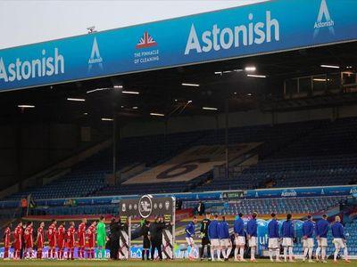 Superliga europea: Reciben a Liverpool con protesta
