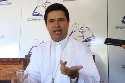 """Obispo pide al Gobierno """"no convertir al pueblo en un mendigo"""""""