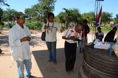 En el día del aborigen americano los Ava Guaraní de Villeta exigen mejor atención y acceso a la casa digna