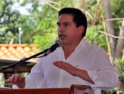Gobernador propone debatir sobre descentralización · Radio Monumental 1080 AM