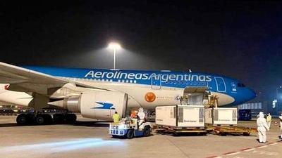 Llega a Argentina un nuevo cargamento con 800.000 dosis de la vacuna Sputnik V