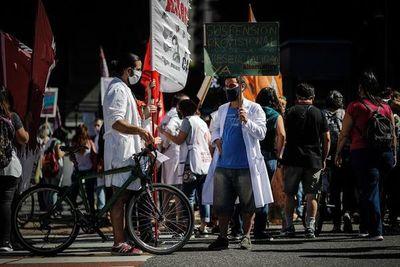 Las clases presenciales abren una disputa política y judicial en Argentina