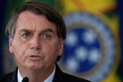 """Bolsonaro dice que """"un pueblo que vota en un tipo"""" como Lula """"merece sufrir"""""""