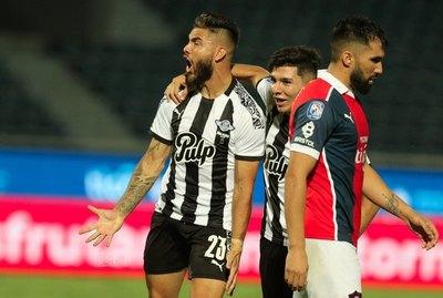 Cerro Porteño volvió a perder en la Nueva Olla después de 413 días