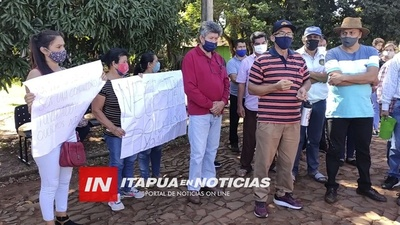 AUTORIDADES DE APS ITAPÚA LLEVAN RESPUESTA A VECINOS DE PRADERA ALTA.