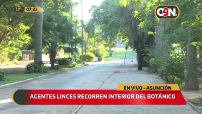 Agentes Linces recorren el interior del Jardín Botánico que Alonso