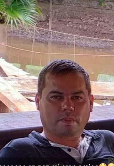 Agente policial con Covid muere en una ambulancia mientras era trasladado en busca de ayuda