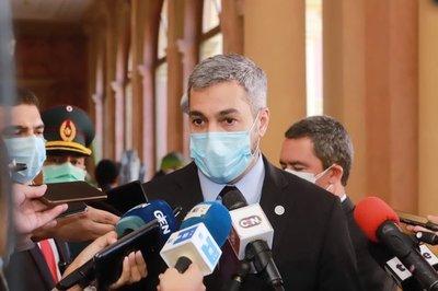 Mandatario estima que Paraguay contará con un importante volumen de vacunas para mitad de año
